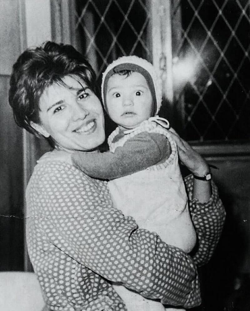 mama mănescu